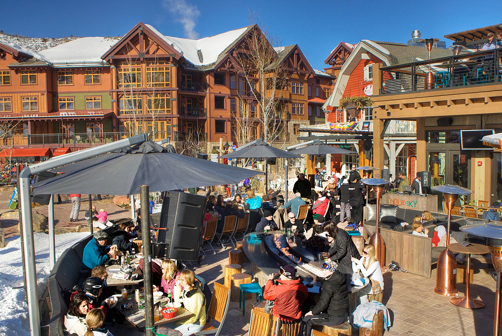 New Snowmass Base Village Après Ski